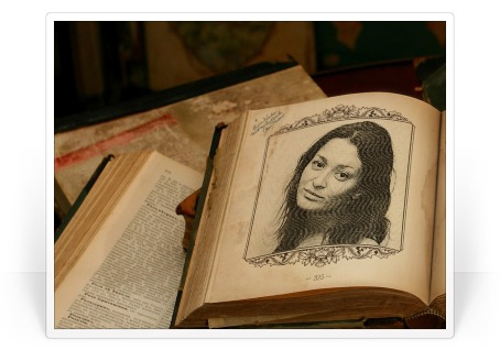 Este efeito foto vai colocar sua foto na página de um livro antigo em um quadro bem modelada.